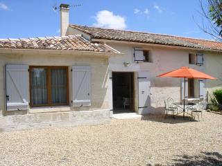Les Mimosas - Sunny holiday villa with beautiful heated pool