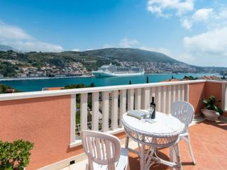 Guest House Avdic - Superior Studio Apartment with Balcony and Sea View