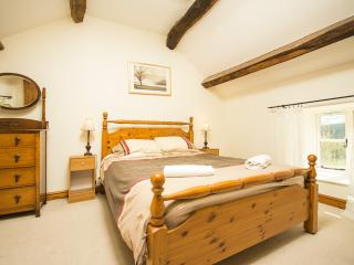 Main bedroom, 3 bedroom cottage