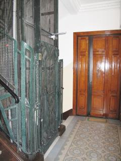 Well kept apartment building - lovely original tiled floors and lift to all floors