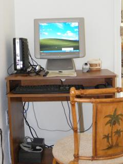 Computer with Internet, Wireless, Skype