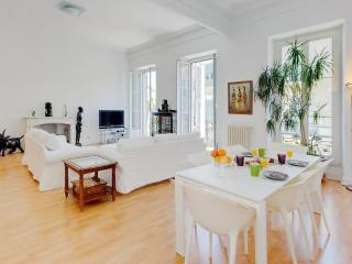 Bright and beautiful 2 bedroom apartment in Central Nice, Nizza
