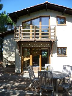 Luxury family holiday house 100m from a delightful sandy beach