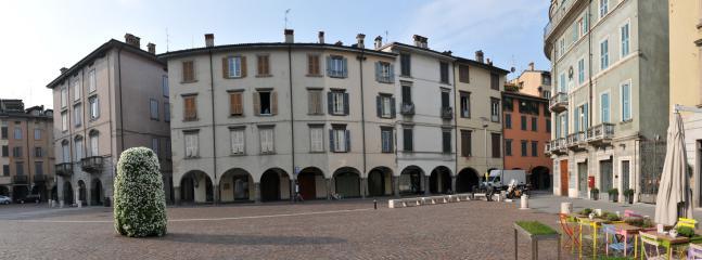 Vista della piazza