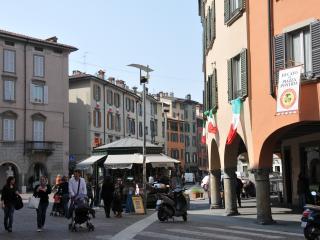 Casa  Piazza Pontida