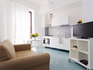 BRAND NEW COSY FLAT CLOSE TO ORTIGIA!