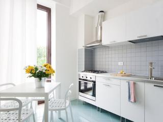 SuperBright kitchen!