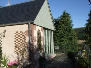 Mill Lade Cottage. Stunning views in the National Scenic Area!