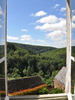 View of the Aveyron gorge from the lounge