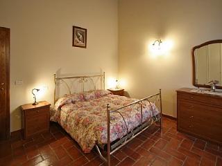 2 bedroom Villa in Camucia-Monsigliolo, Tuscany, Italy : ref 5228848