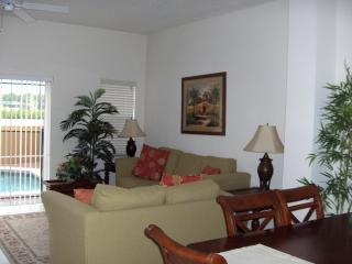 Alberto Circle, Fun Vacation House with Pool, vacation rental in Kissimmee