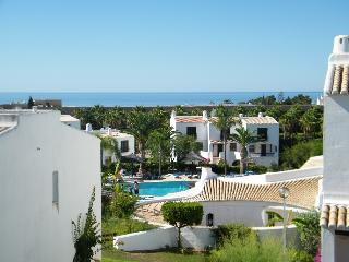 5mts walk to beach, great apt for 4-6 people in S. Rafael complex, swimming pool
