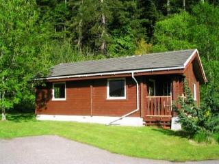 Luxury Log Cabin for 4 by Pucks Glen Dunoon