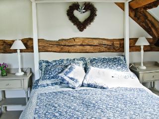 Bleu Gris Bedroom
