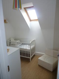 Baby bedroom (It connects to the pink room and hall)