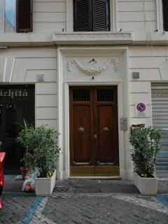 entrance to the house: Via della Luce No. 37