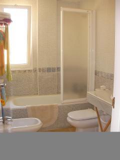 bath - suitte 1st floor