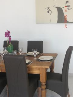 Tony's Photo of the dining table - Do you like it?