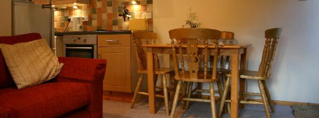 Gorse Cottage dining area