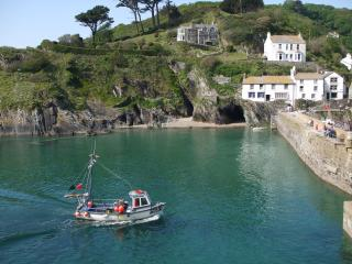Polperro outer harbour