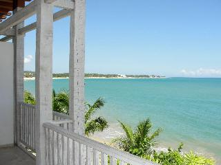 3 bd, Beachfront Luxury apt.Best location. As close to the Beach as you can get.
