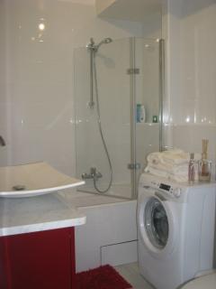 Salle de bains et lave-linge