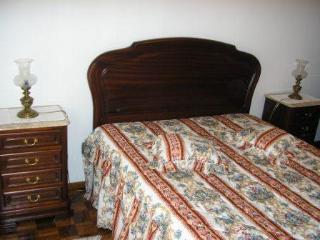 Quarto c/cama de casal e c/ banho