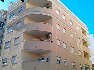 COSY 2 BEDROOMS APARTMENT, Torrevieja