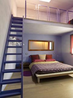 stanza Lou (Andreas Salomè), tripla, con letto singolo sul soppalco