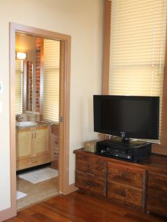 Master bedroom ensuite and flat screen TV