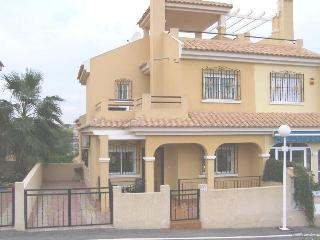 Torrevieja  villa 3 bedrooms swimming pool and  free 400mb fibre broadband