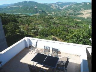 Abruzzo holiday home lake view, Bomba
