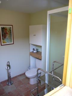 La salle d'eau attenante 2