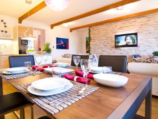 Deluxe Apartment   L Parking & SPA, Zagreb