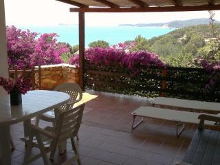 Villa a Villasimius, 2 passi dal mare e 2 terrazze