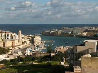 Ta'Kurun with lovely sea views, Marsaskala