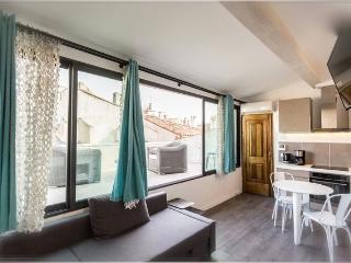 Aix Centre Petit Loft avec Terrasse Luxe, Aix-en-Provence