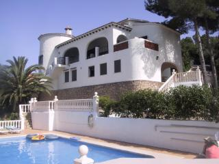 Large villa private pool and poolhouse bar. sleeps 6 to 12and spectacular views