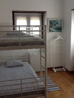 Quarto com 2 camas