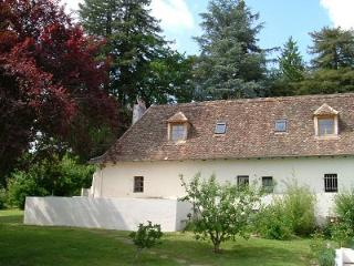Park Cottage: a pretty Bearnaise gite near the medieval town of Salies de Bearn