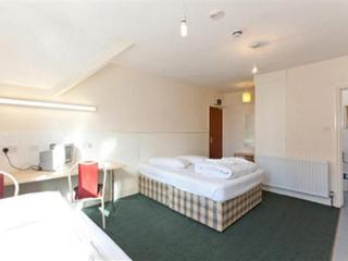 Triple studio apartment rental, Finchley Road, Cen