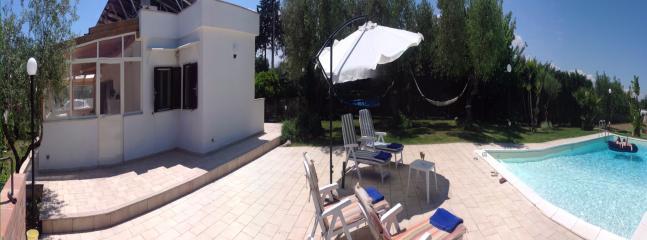Piscina e veranda