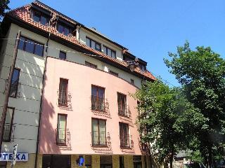 2bdr 2bth Trinity Apartment in the Jewish Quarter