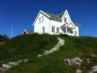 Lighthouse keepers recidence, Hitra Municipality