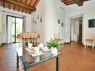 La Compagnia del Chianti - Big Apartment for Family with Pool and private Garden