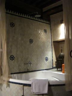Ground floor bath in bathroom