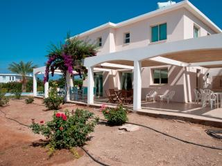 Spacious 5 bedroom Amalthia Villa Erato