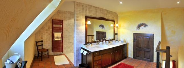 Salle de bain chambre Espagnole