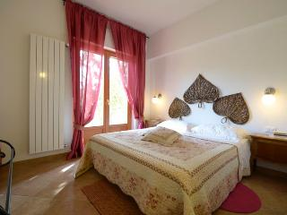 Villa Ettorina •  Appartamento Il Tramonto • Poggio Mirteto