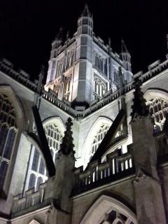 Beautiful Bath Abbey floodlit at night